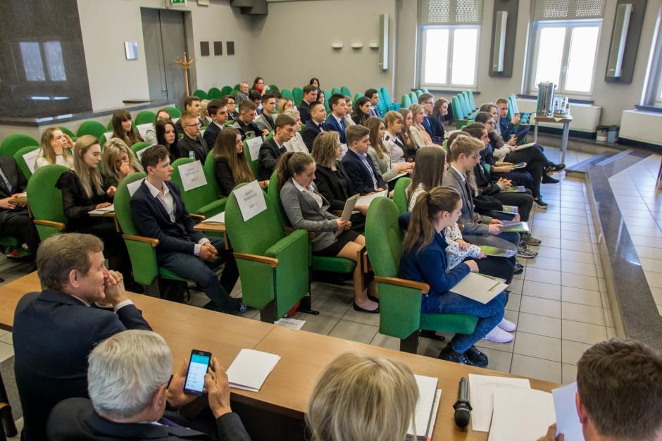 Sosnowiec: Miasto traci mieszkańców, kurczy się i miejska rada