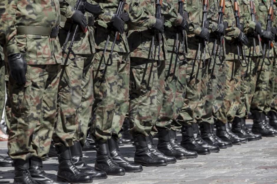 """Kwalifikacja wojskowa 2018 już ruszyła. Co potrzebne na """"stawkę""""?"""