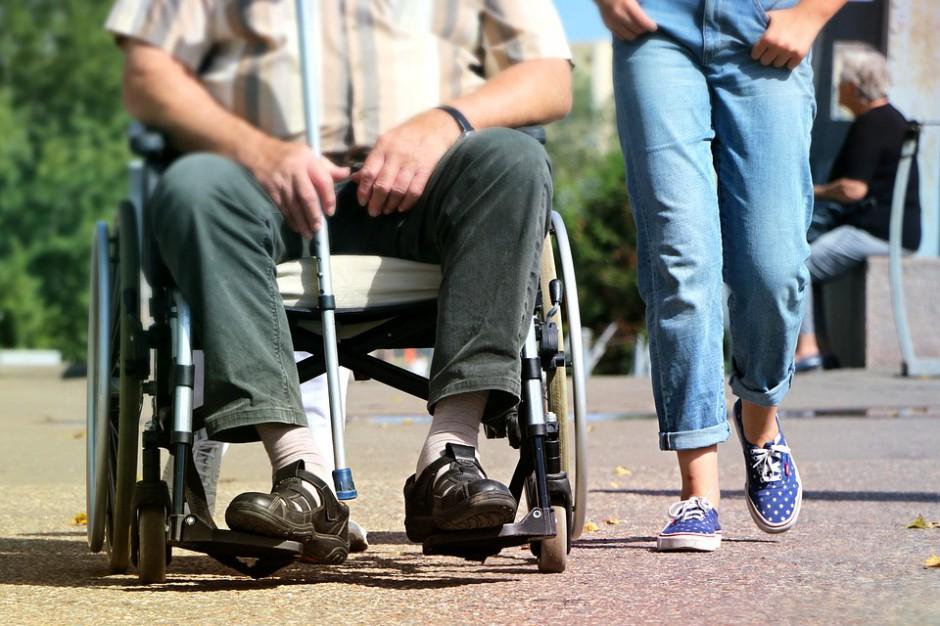 Ministerstwo przeznacza 75 mln zł na centra opiekuńczo-mieszkalne