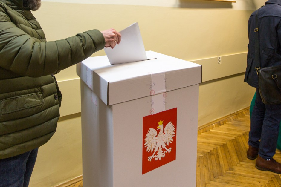 """Sejm: Wybory samorządowe zagrożone. """"Zhakowane lub przesunięte o rok"""""""