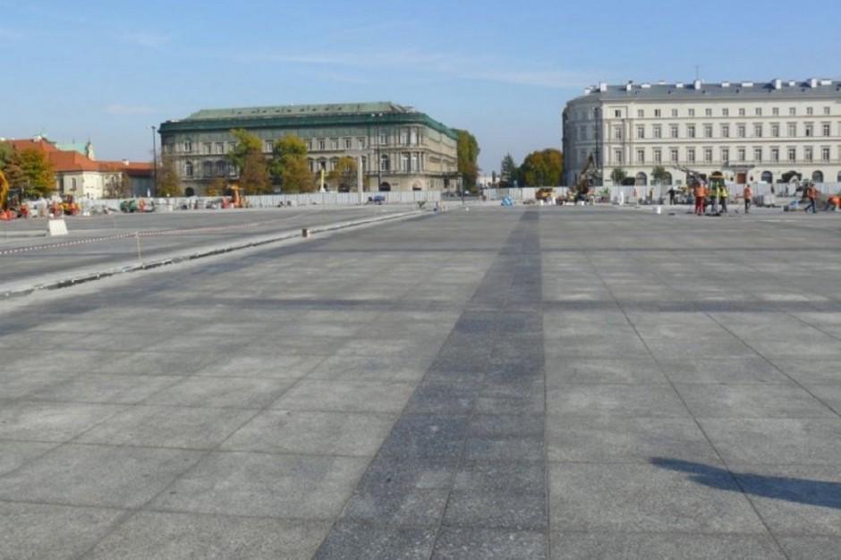 """Spór o lokalizację pomnika smoleńskiego. """"Plac Piłsudskiego nie jest PiS-u"""""""