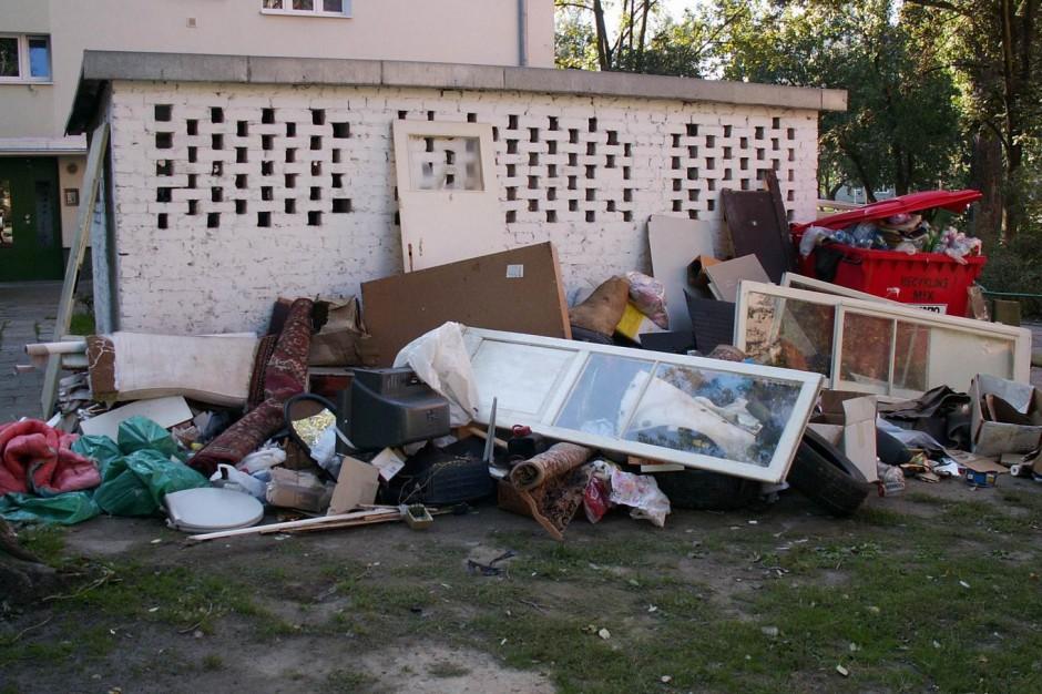 Drugi Neapol, tony śmieci na ulicach. Warszawie grozi katastrofa śmieciowa