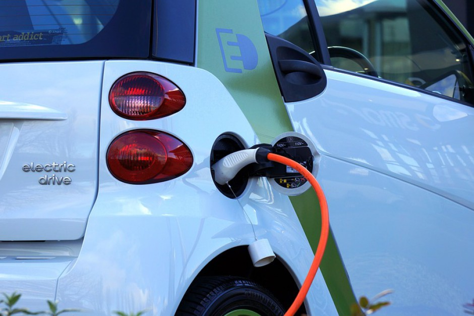 Wzory nalepek dla pojazdów z napędem elektrycznym, wodorowym i gazowym