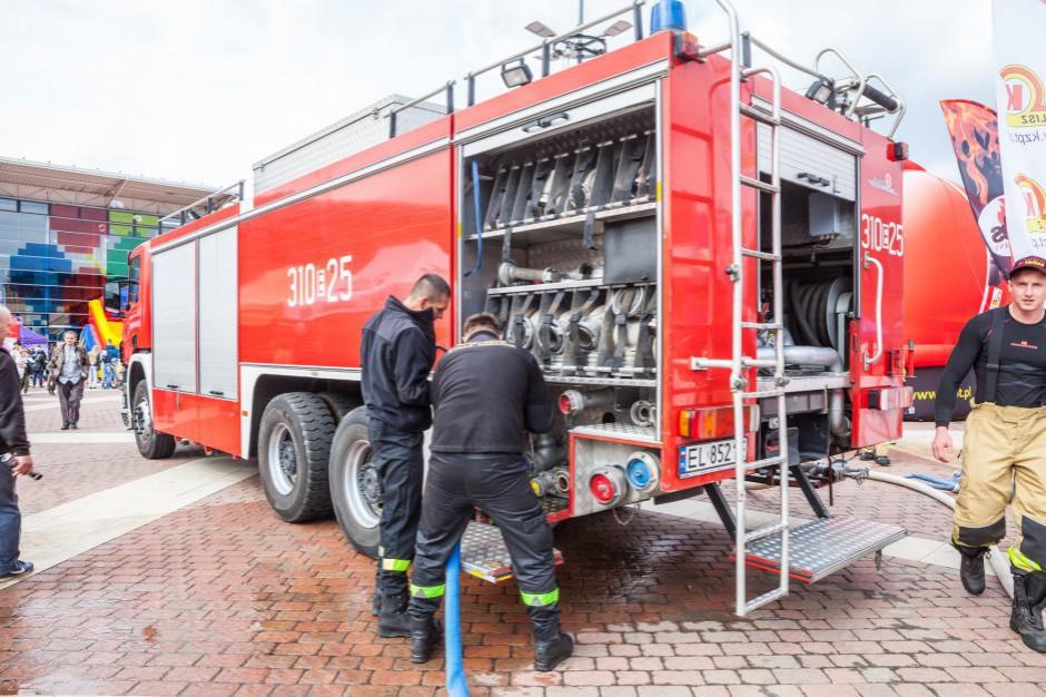 Świętokrzyskie: nowy sprzęt ratowniczy i podwyżki dla strażaków do 2021 roku
