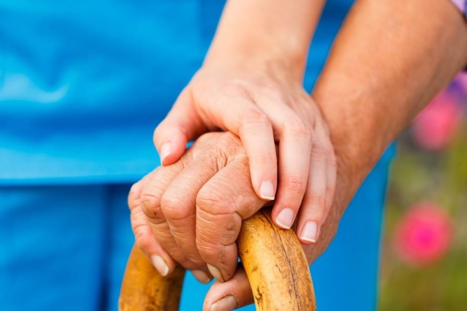 Budżety obywatelskie i bony aktywizacyjne dla seniorów? PO zaczyna konsultacje