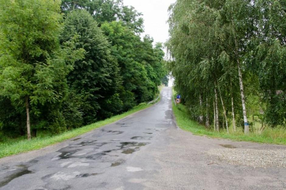 Krzysztof Iwaniuk o dramatycznej sytuacji na wiejskich drogach