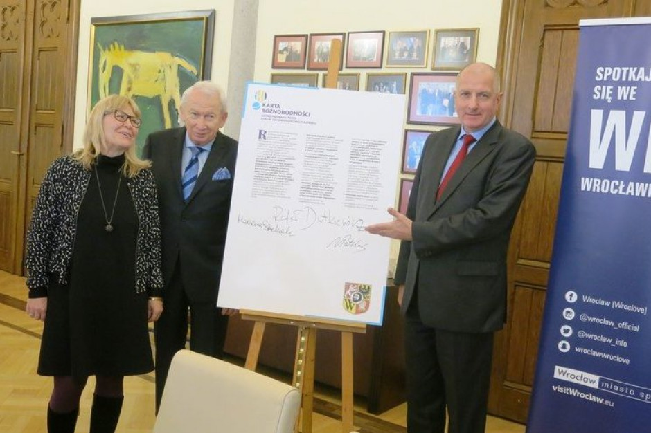 Podpisanie Karty Różnorodności we wrocławskim ratuszu (fot. mat. UM Wrocław)
