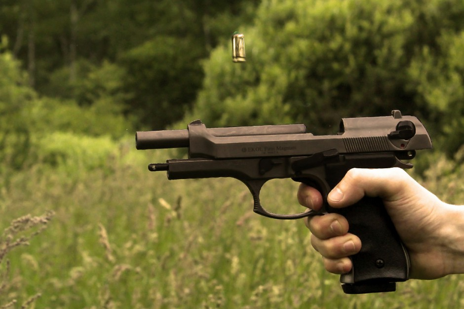 Coraz więcej Polaków posiada broń