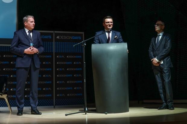 Marszałek Wojciech Saługa, prezydent Katowic Marcin Krupa, oraz prezes PTWP Wojciech Kuśpik otwarli tegoroczną edycję 4DD w MCK w Katowicach (fot.PTWP)
