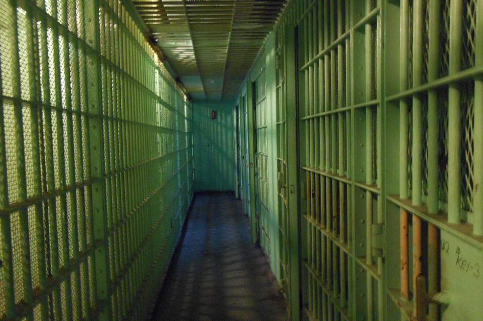 Nowe więzienie w Brzegu kością niezgody. Są oskarżenia, będzie referendum?