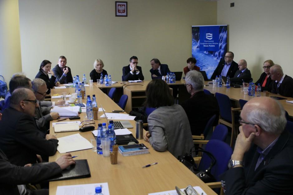 Wody Polskie: trudny dialog w sprawie wynagrodzeń