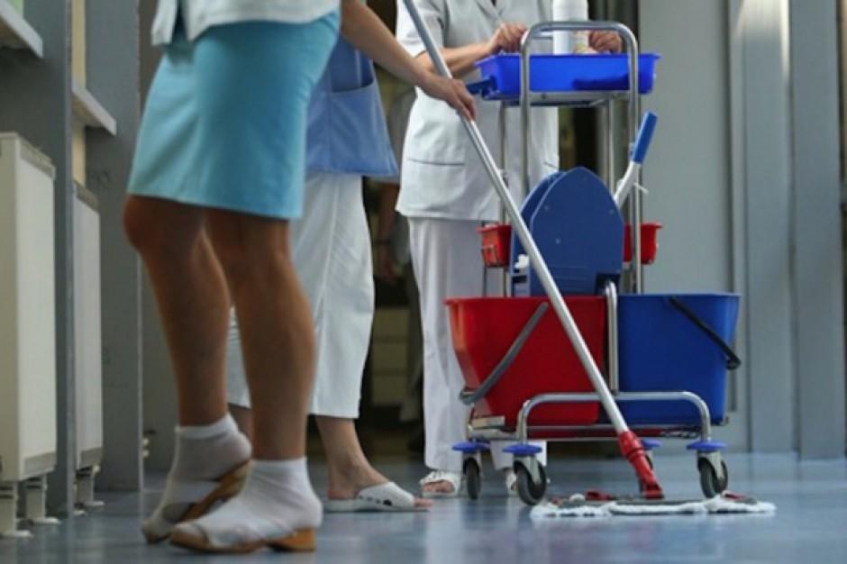 Wyższe płace w szpitalach nie tylko dla lekarzy i pielęgniarek. Pytanie tylko kiedy?