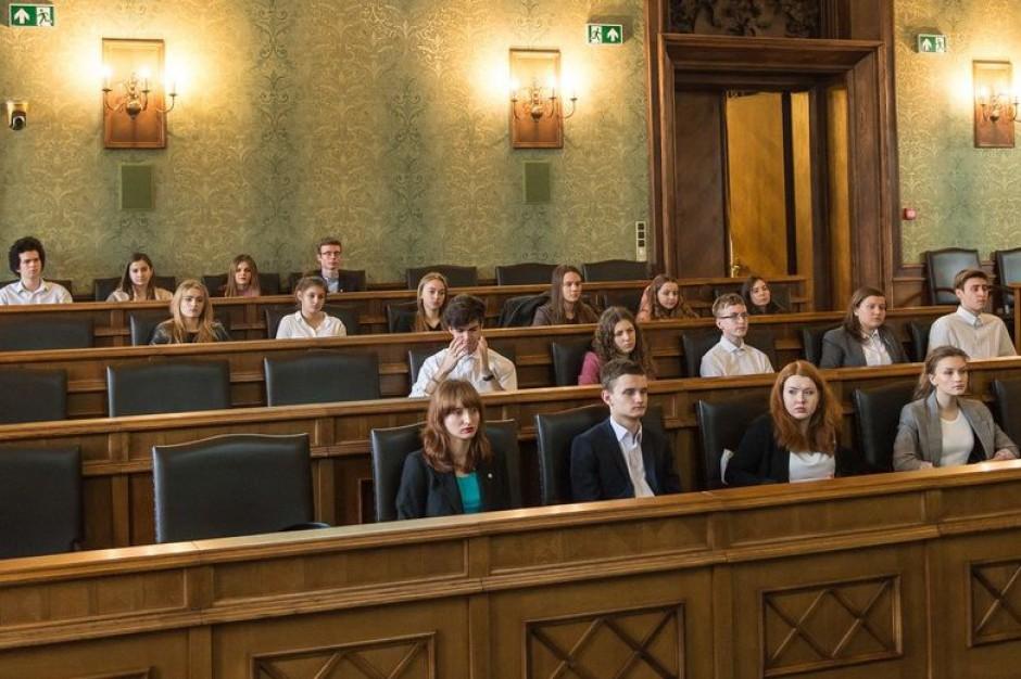 Wrocław: Młodzi ludzie uczą się samorządności