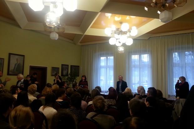 Sala w Białym Domu w Mikołowie na spotkaniu z R. Biedroniem wypełniona była po brzegi (fot.aw)