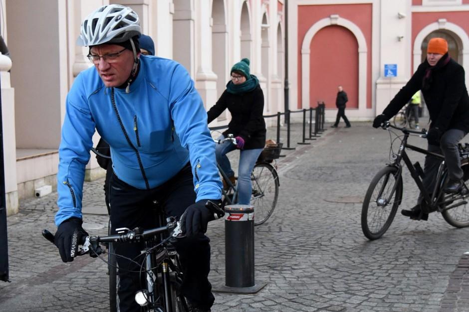 Co poprawić w miejskiej infrastrukturze rowerowej? Prezydent ruszył w miasto na dwóch kółkach