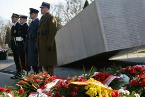 Protest przeciw budowie pomnika ofiar katastrofy smoleńskiej