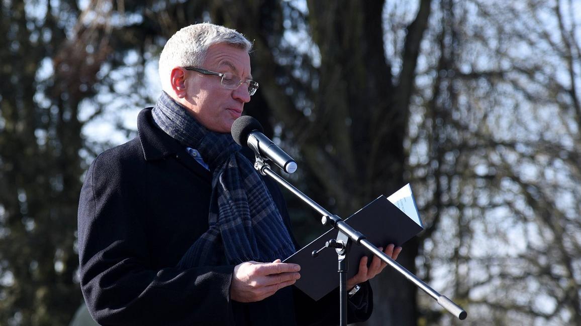 Radny Jan Sulanowski przypomniał, że na początku lutego Jacek Jaśkowiak napisał na portalu społecznościowym, że