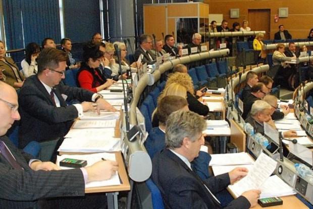 Rada miejska w Dąbrowie Górniczej przyjęła 28 lutego uchwałę likwidującą opłatę adiacencką. (fot. www.dabrowa-gornicza.pl)
