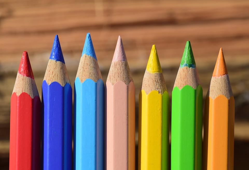 Ogólne kryteria naboru się nie zmieniły. Nadal (jak wynika z ustawy) pierwszeństwo będą miały dzieci z rodzin, gdzie występuje: wielodzietność, niepełnosprawność (dziecka, rodzeństwa czy rodziców) samotne rodzicielstwo czy przebywanie dziecka w pieczy zastępczej. (fot.pixabay.com)