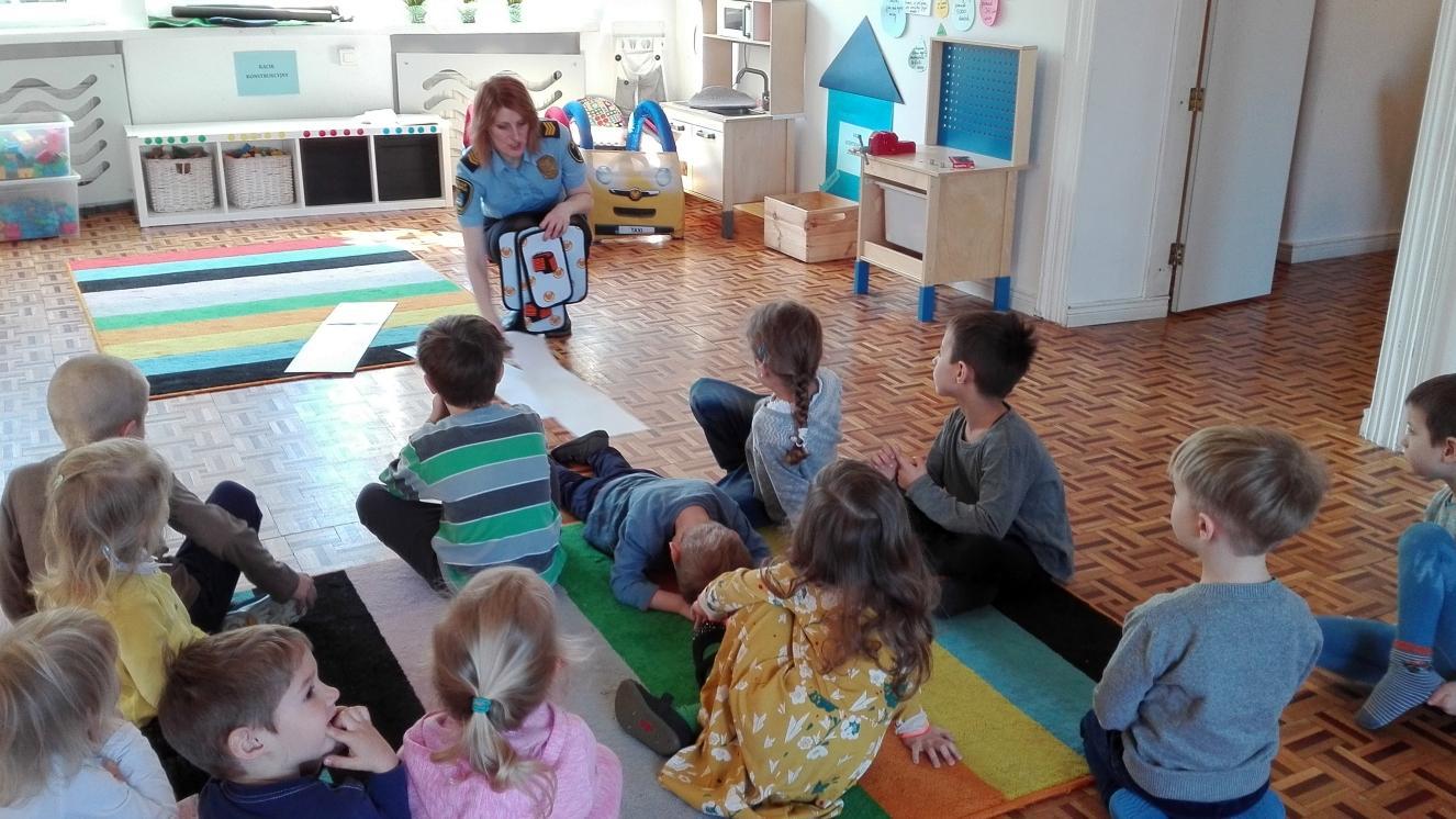- W nowym roku szkolnym (2018/2019) w Poznaniu będzie czekało aż 17 105 miejsc - 14 tys. w przedszkolach samorządowych, 1500 w oddziałach przedszkolnych w szkołach podstawowych, 1000 w przedszkolach publicznych prowadzonych przez inny organ i 605 w przedszkolach niepublicznych. (fot. UM Poznań)