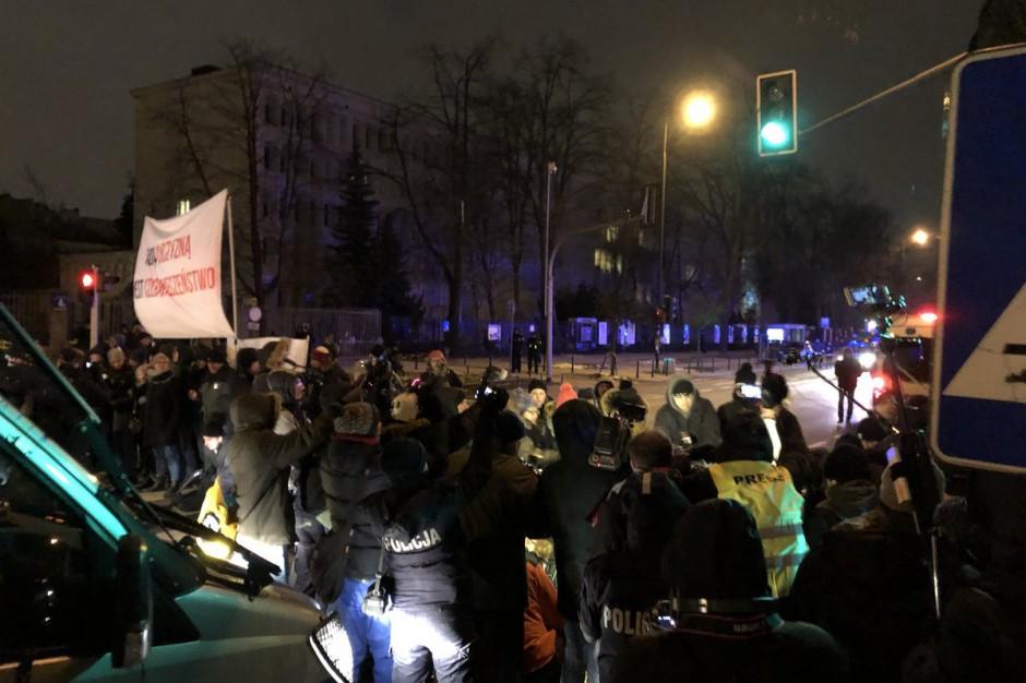Dwa marsze przeszły przez Warszawę. Interweniowała policja