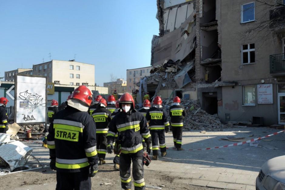 Strażacy będą pracować na miejscu do czasu całkowitego odgruzowania miejsca zdarzenia