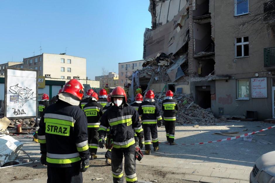 Poznań. Nadzór budowlany nakazał rozbiórkę ściany szczytowej kamienicy na Dębcu