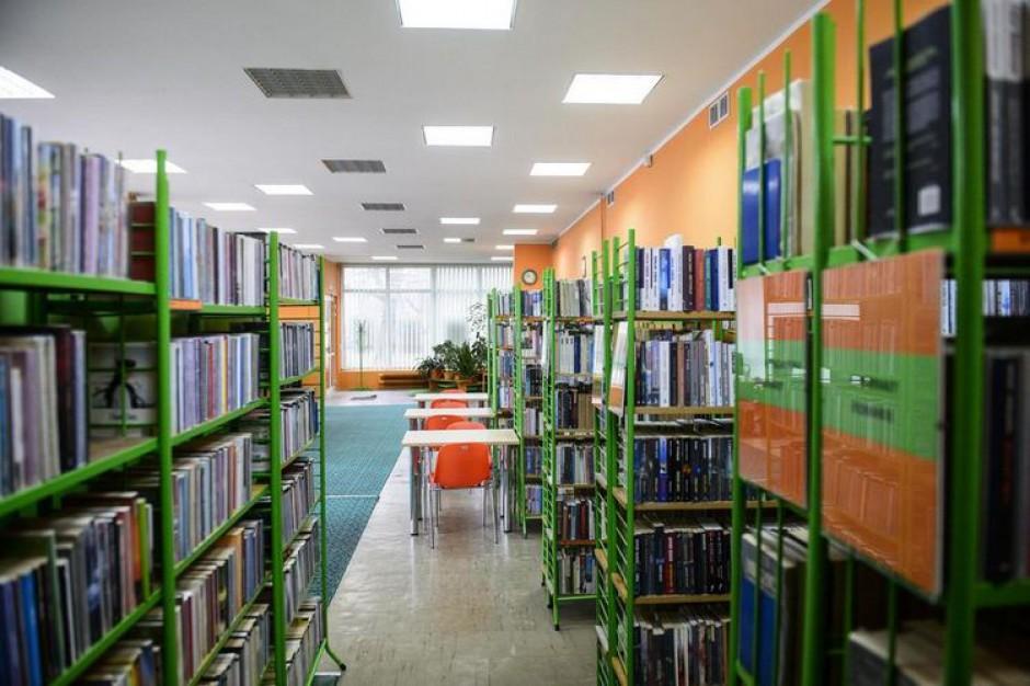 Reforma bibliotek w Łodzi. Kurier przywiezie i odbierze książki