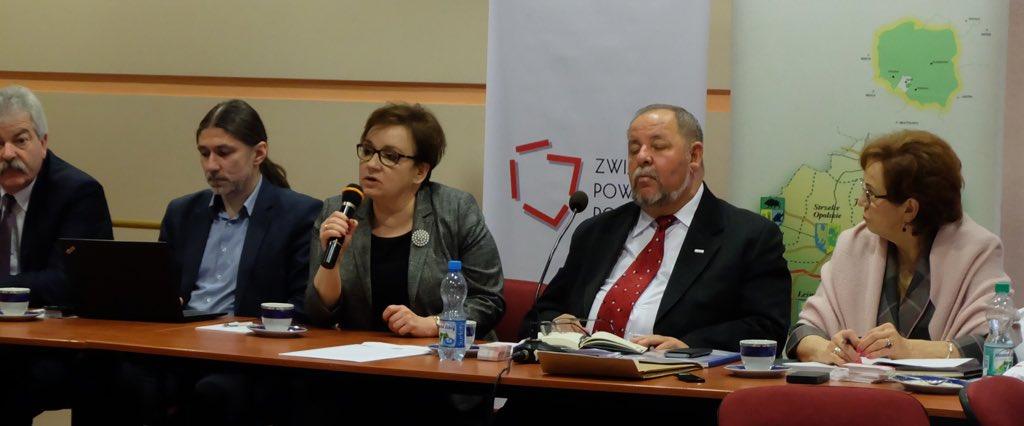 Spotkanie przedstawicieli powiatów z Anną zalewską odbyło się 5 marca na Górze św. Anny (fot. twitter.com/MEN_GOV_PL)