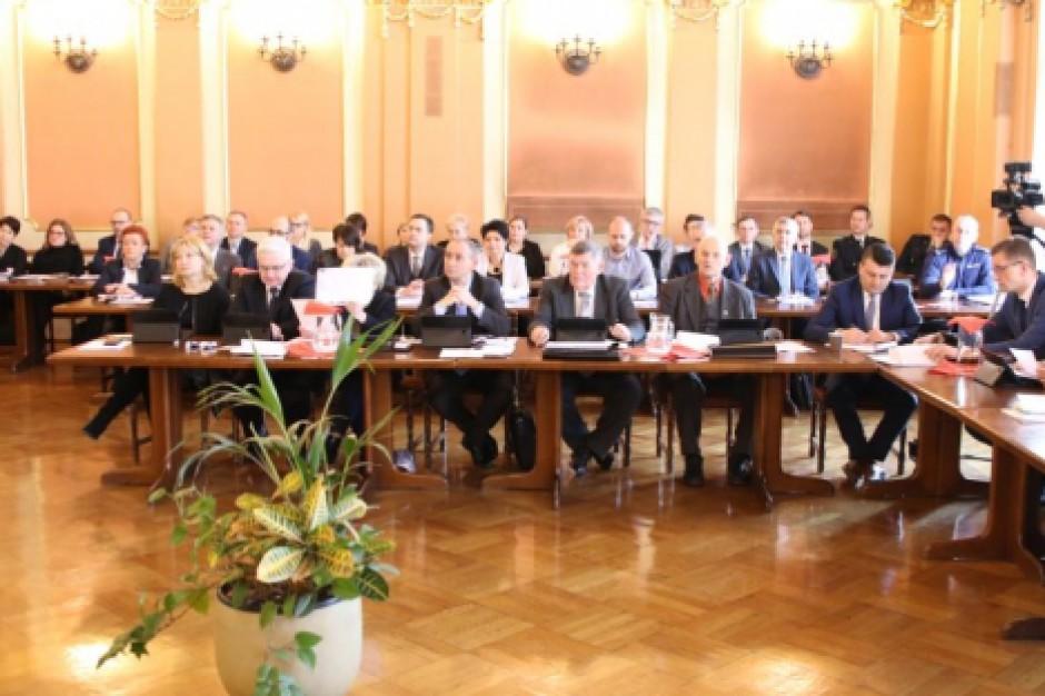 Klub radnych PiS zerwał koalicję z prezydentem Kalisza