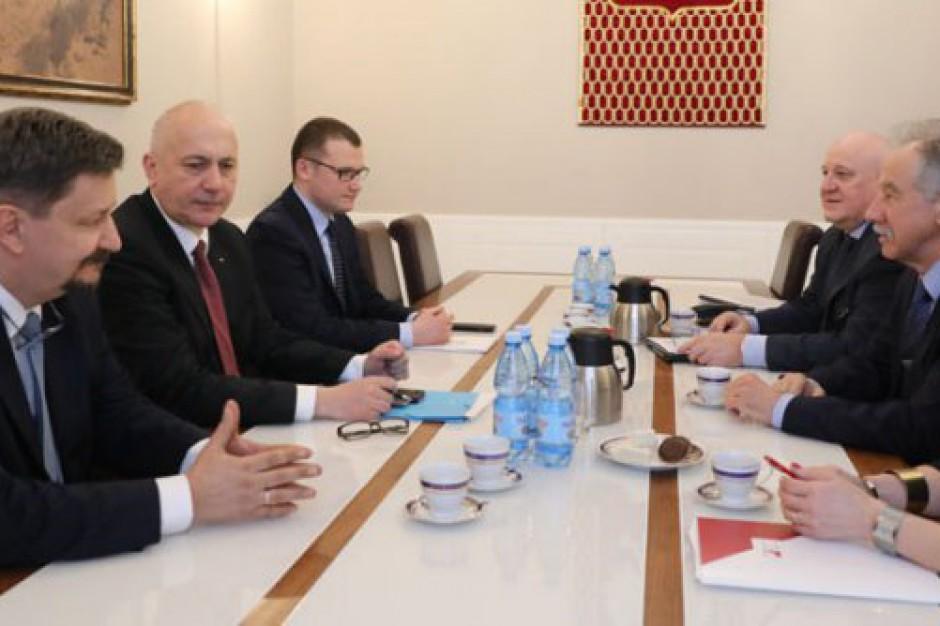 Szef MSWiA spotkał się z przewodniczącym PKW ws. transmisji z lokali wyborczych
