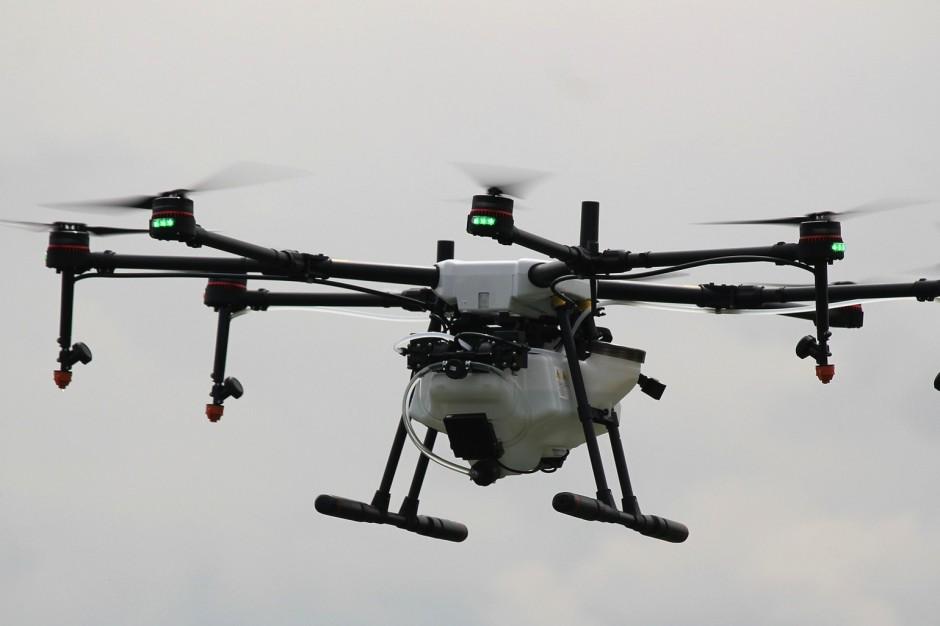 Pomorskie. Młodzież będzie latać dronami. Specjalne kursy dla uczniów szkół zawodowych
