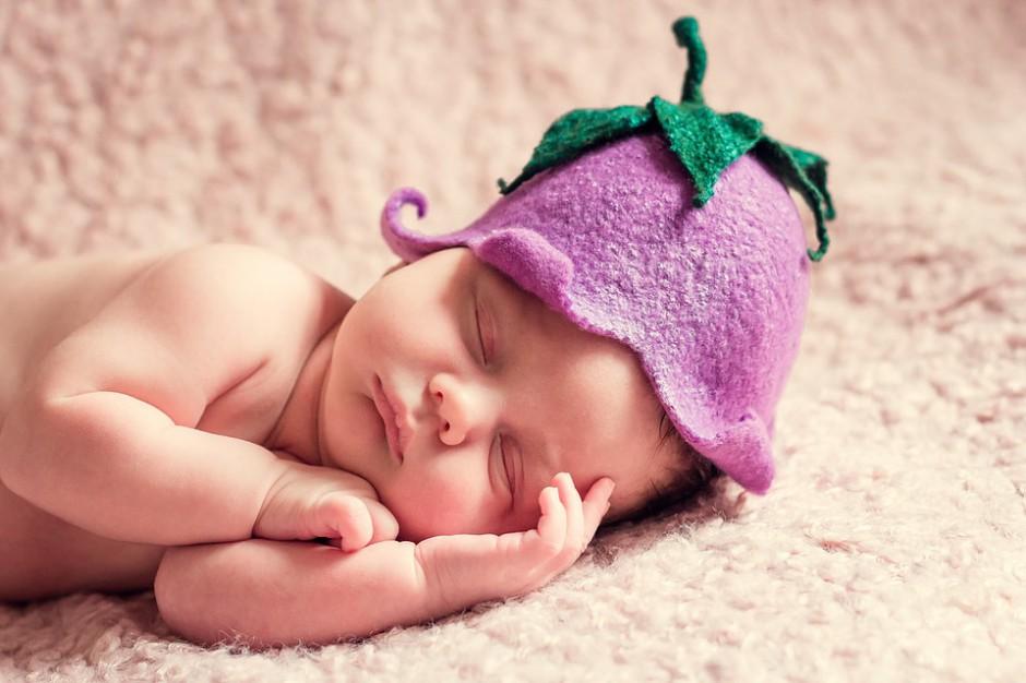 Senat za możliwością zgłoszenia urodzenie dziecka przez internet