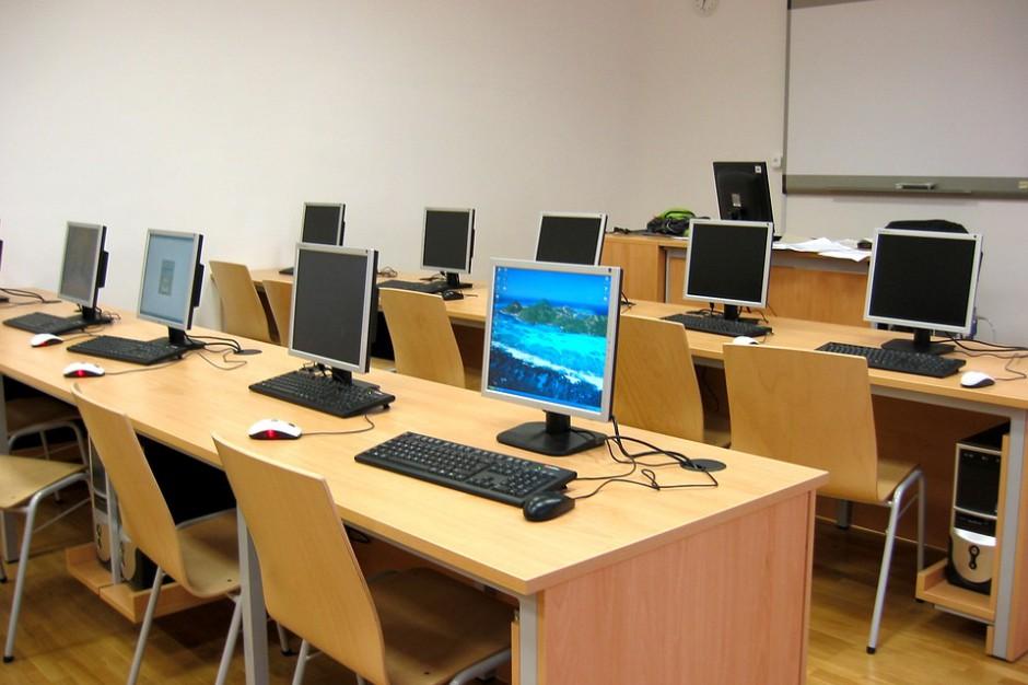 79 świętokrzyskich szkół otrzyma nowoczesny sprzęt informatyczny