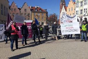 Demonstracje przeciwko rasizmowi przeszły ulicami miast