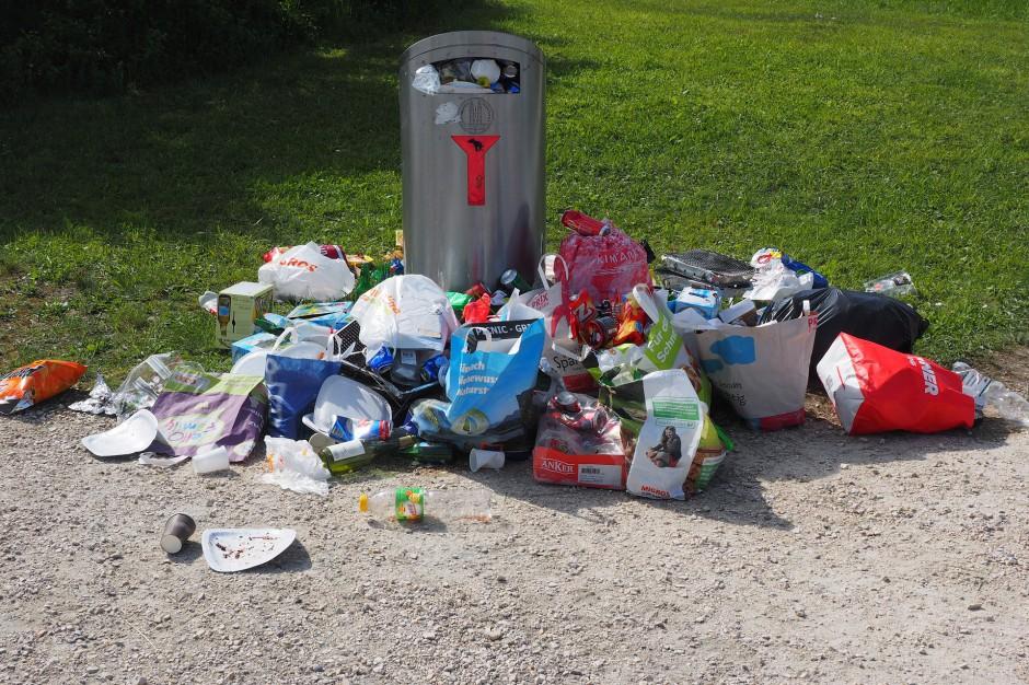 Odpady: Co można znaleźć w śmieciach? Te rzeczy nie powinny tam trafić