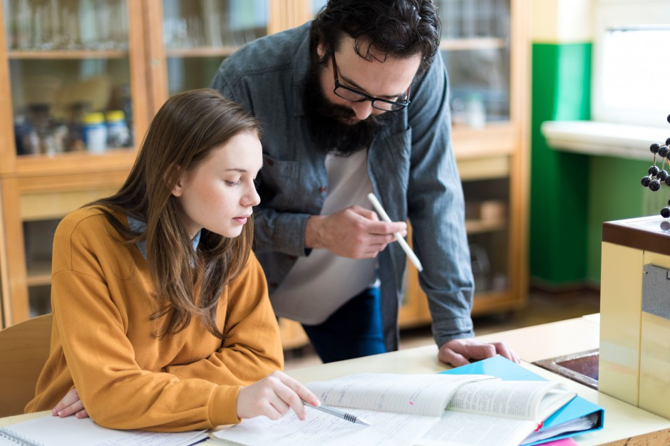 """Wskaźniki oceny pracy nauczycieli ustali dyrektor. """"To może budzić obawy"""""""