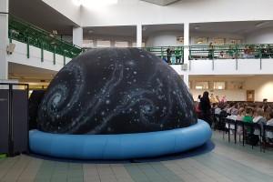 Planetobus i mobilne planetarium rusza w podróż po Polsce