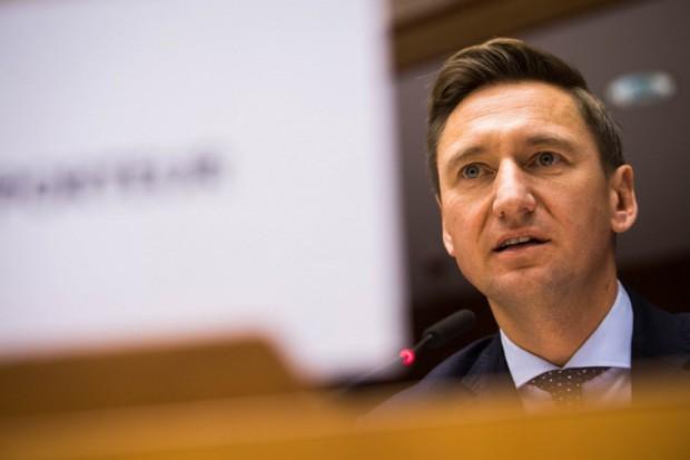 Marszałek zachodniopomorskiego Olgierd Geblewicz odpowiada, że pensje wypłaci, ale zarząd zwrotu kosztów od Wód Polskich (fot.wzp.pl)