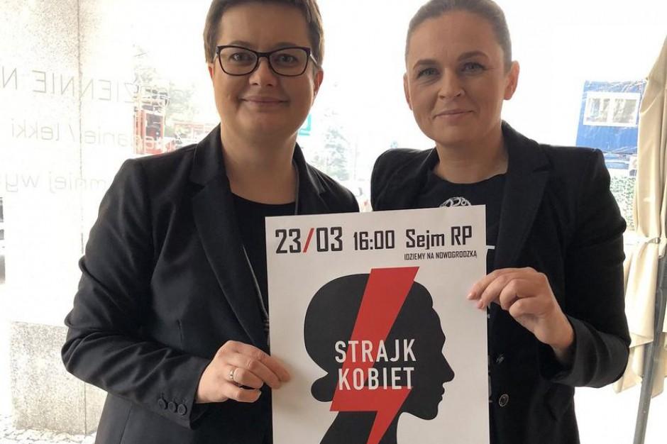 """""""Czarny piątek"""". W Warszawie trwa demonstracja"""