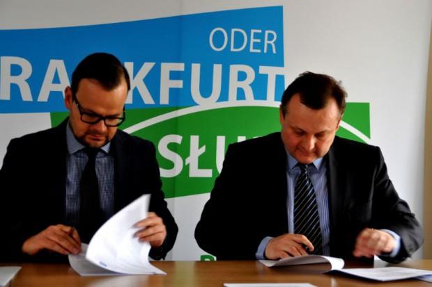 Podpisana umowa przewiduje, że na budowę wieży gmina Słubice dostanie z Brukseli 1,1 mln euro, 85 proc. kosztów, które trzeba będzie ponieść (fot.slubice.pl)