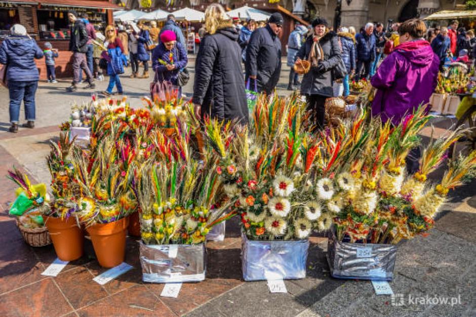 Targi wielkanocne na Rynku Głównym oficjalnie otwarte