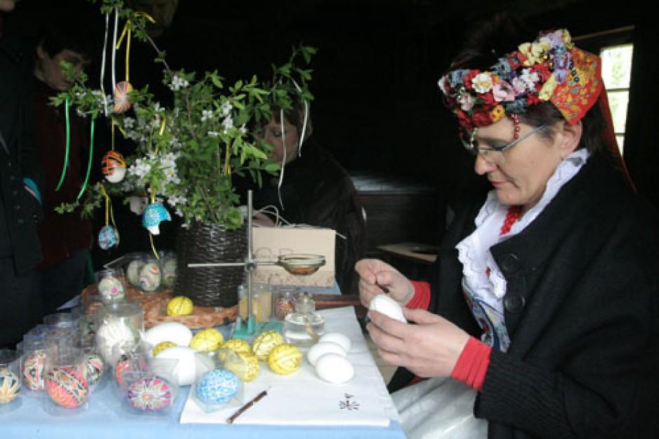 Opole. Tysiące gości Jarmarku Wielkanocnego w Bierkowicach