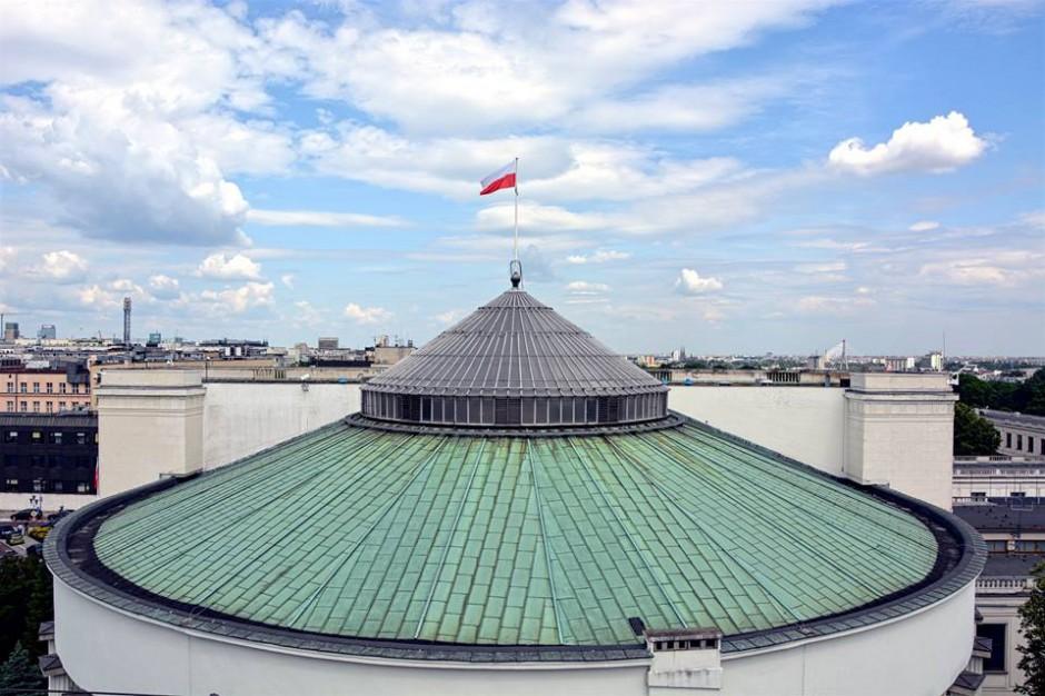 """Płot wokół Sejmu """"narzędziem propagandowym dla opozycji"""""""