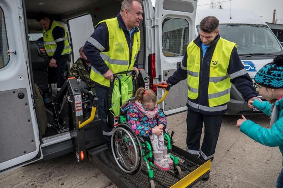 Łódź: cztery nowe samochody MPK do przewozu osób niepełnosprawnych
