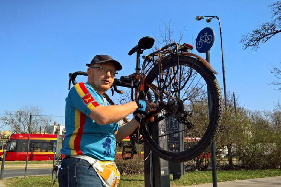 10 nowych rowerowych stacji naprawczych w Łodzi