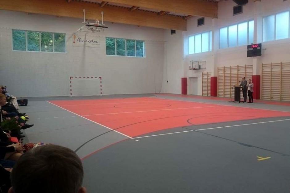 Brakuje sal gimnastycznych, odbija się to na zdrowiu dzieci