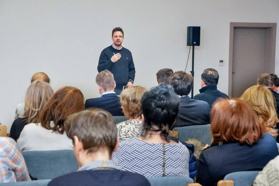 Rafał Trzaskowski zapowiada przepisy, które uniemożliwią oddawanie mieszkań z lokatorami