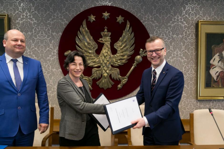 Warszawski Uniwersytet Medyczny zdobył 100 mln zł w ramach Planu Junckera