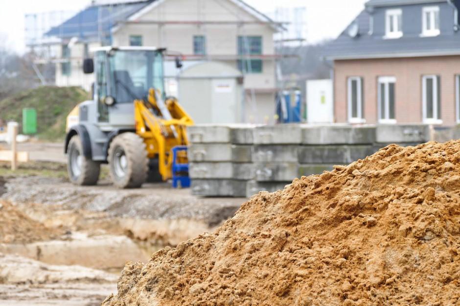 MSWiA: Trzeba wesprzeć budowę dróg lokalnych